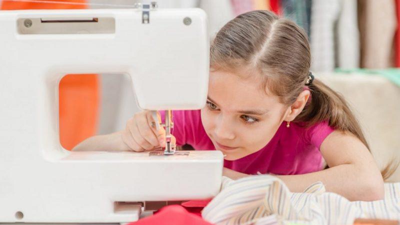 Comment choisir la meilleure machine à coudre enfant ?